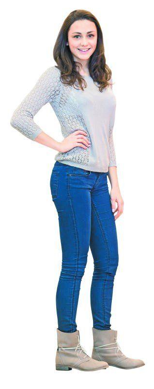 Suzana trägt trendige Schnürstiefeletten von Shoe4you in Rankweil. Erhältlich um 39,95 €. FOTO: STEURER