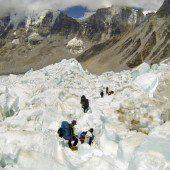 Neue Route nach Unfall auf Mount Everest