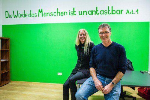 """Eva Fahlbusch (l.) hat den Verein """"Vindex – Schutz und Asyl"""" gegründet,Peter Mennel steht ihm als Obmann vor.  Foto: MK"""