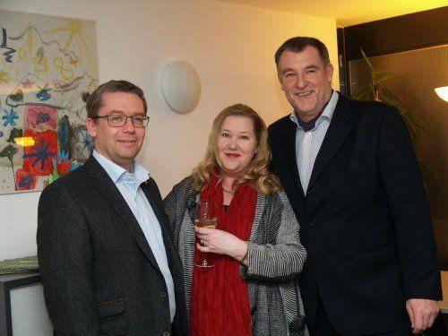 Bauunternehmer Johannes Wilhelm, Fachärztin Susanne Fischer und Heinz Hausmann-Fischer (v. l.). Fotos: SIE