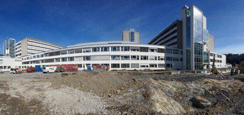 Bis Ende 2018 entstehen am LKH Feldkirch zwölf neue OP-Säle.