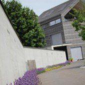 Lavendel-Menü an der Mauer
