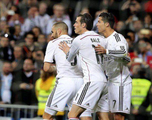 Das Angriffstrio mit Karim Benzema, Gareth Bale und Cristiano Ronaldo (v. l.) steht in der Kritik. Foto: epa