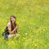 Blumen, auf die Bienen fliegen