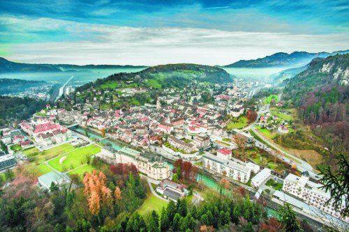 """Feldkirch setzt auf """"dezentrale Konzentration"""" – Stadtteile werden konsequent weiterentwickelt, ihre Zentren verdichtet. Die Altstadt soll sorgfältig aufgewertet werden. Viel Potenzial sieht Feldkirch im Radverkehr. """"Da haben wir noch Verbesserungsmöglichkeiten"""", so Stadtplaner Gabor Mödlagl."""
