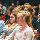 VN-Debatte: 350 Jugendliche fühlten in Dornbirn Politikern auf den Zahn
