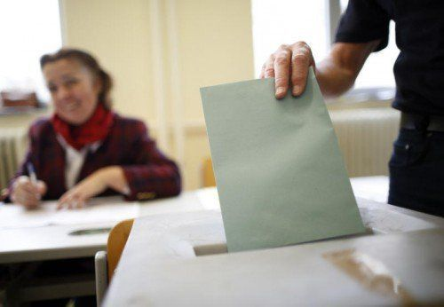 Ein Wähler beantragte die Briefwahlkarte und erhielt diese auch umgehend. Allerdings fehlte das unbeschriftete Kuvert für den amtlichen Stimmzettel. APA