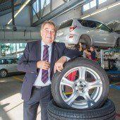 Autohändler präsentieren gemeinsam neue Modelle