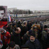 Zehntausende beim Trauermarsch in Moskau