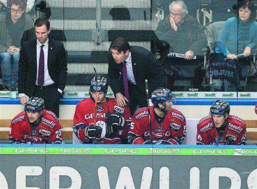 Niederlage gegen Nürnberg – für Uwe Krupp und seine Berliner Eisbären ist die Saison mit den Pre-Play-offs beendet. Foto: gepa