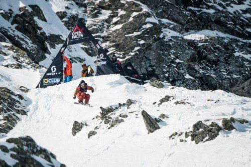 Snowboardsieger Thomas Feurstein kurz nach dem Start. Foto: Schönherr