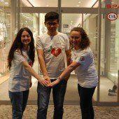 Jugendliche sammeln für Bedürftige