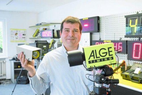Albert Vetter: Von der Taschenlampen-Lichtschranke zur Hochgeschwindigkeits-Zielkamera .  Fotos:tm-hechenberger