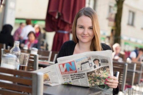 Chiara Gottschalk liest die Vorarlberger Nachrichten eigentlich immer, wenn sie auf Heimatbesuch ist.  Foto: VN/Stiplovsek