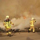 Mülllager der Firma Häusle in Flammen