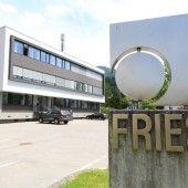 1400 Geschirrspülkörbe aus Sulz für Groß-Hotel