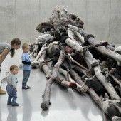 Von Bäumen, Hirschen, Jägern, Göttinnen und Amazonen – Berlinde De Bruyckeres Arbeiten im KUB lassen sich auch Kindern vermitteln