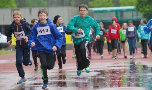 Im vergangenen Jahr liefen die Schüler bei Regen.  Foto: VN/Hartinger