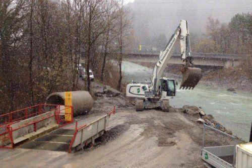 In Nüziders ist man derzeit mit der Verbreiterung des bestehenden Radwegteilstücks beschäftigt.  Foto: se