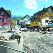 Straßensperren im Hatlerdorf