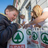 VN und Spar versorgen Rankweiler Schüler mit einer gesunden Jause