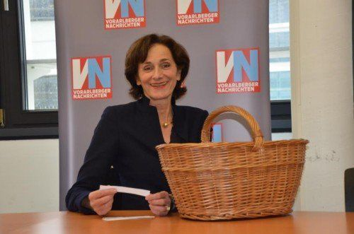 Schullandesrätin Bernadette Mennel fungierte als Glücksfee.