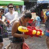 Thailand feiert Neujahr mit Wasser und Kreide