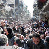 2000 Menschen flohen aus Flüchtlingslager