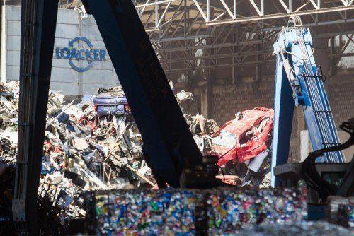 Was bei Loacker in Götzis recycelt wird, landet auf dem Weltmarkt für sekundäre Rohstoffe.  Foto: VN/Steurer