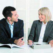 Frauen investieren mehr Zeit in die Karriere