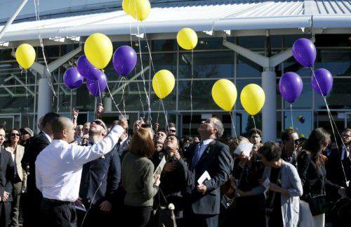 1500 Menschen verabschiedeten sich von Andrew Chan. Der Australier wurde in Indonesien wegen Drogenschmuggels hingerichtet.  Foto: Rts
