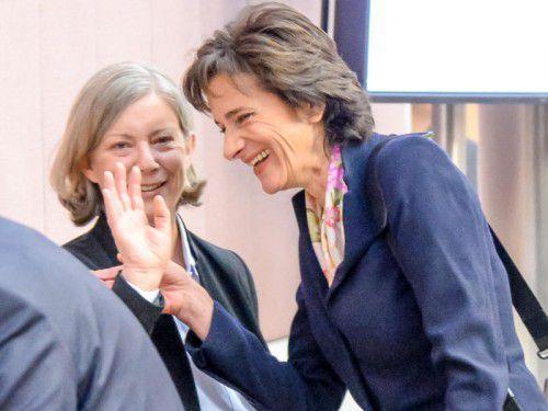 Auch bei Gabriele Sprickler-Falschlunger (SPÖ) und Landesrätin Bernadette Mennel (ÖVP) herrschte weitestgehend Einigkeit. Foto: VN/Lerch