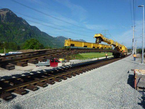 In den vergangenen Jahren wurde von den ÖBB der Bahnanschluss von Rauch/Ball ausgebaut und die Voraussetzung für die Betriebserweiterung geschaffen.ÖBB