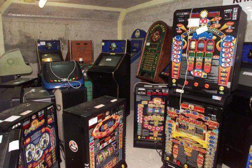In Dornbirn sind von den Behörden insgesamt 60 Glücksspielgeräte aus dem Verkehr gezogen worden.