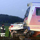 Fünf Tote nach Unfall mit Zug