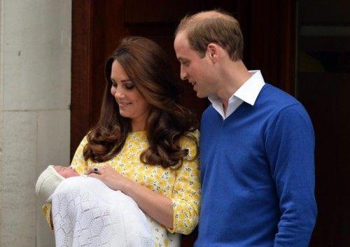 Das zweite Royal Baby hat mit seinen Eltern bereits die erste Nacht im Kensington-Palast verbracht. Foto: EPA