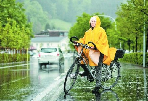 Die Alltagsradlerin Julia Gächter lässt sich auch von schlechtem Wetter nicht schrecken.