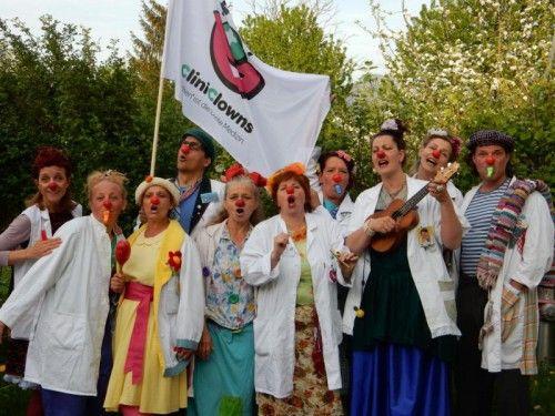 Die CliniClowns freuen sich auf viele Besucher bei ihren flotten Platzkonzerten am Samstag.  Foto: CliniClowns
