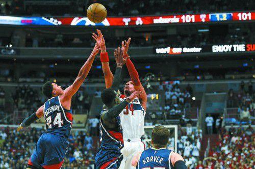 Die Entscheidung: Paul Pierce trifft zum Sieg für Washington. Foto: ap