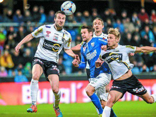 Drei Erfolgsgaranten für eine starke Altacher Bundesligasaison: Cesar Ortiz (links), Hannes Aigner (hinten) und Philipp Netzer (rechts). Foto: gepa