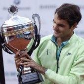Federer gewinnt Premiere in Istanbul