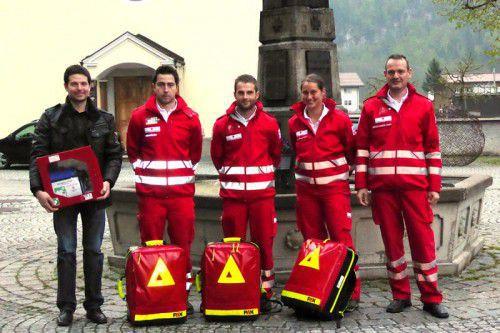 Daniela Feuerstein, Lukas Gaida, Emanuel Mätzler und Andreas Fessler sind jetzt First Responder in Schnepfau.