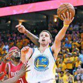 Curry führte die Warriors zum ersten Sieg