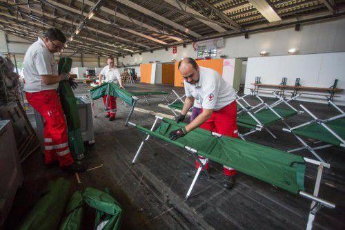Das Vorarlberger Rote Kreuz zeigte schon in Dornbirn, wie schnell eine Flüchtlingsunterkunft entstehen kann.