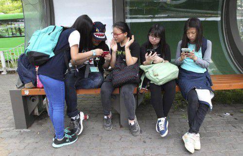 In Südkorea müssen die Smartphoneaktivitäten von Minderjährigen nun per App überwacht werden.  Foto: AP