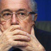 Blatters Feldzug immer skurriler