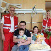 Ungeduldige Mia wurde im Rettungsauto geboren