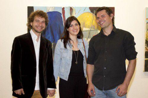 Künstler Lorenz Helfer (l.), Diana Alcazar Alcolea und Galerieleiter Oliver Heinzle. Fotos: Franc