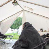 Weitere 24 Zelte für Flüchtlinge aufgestellt