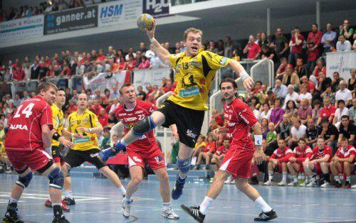 Mit einem 30:29-Erfolg in Hard holte sich Bregenz (im Bild Kapitän Matthias Günther mit Ball) am 29. Mai 2009 seinen achten und bislang vorletzten HLA-Titel. Foto: VN/Stiplovsek